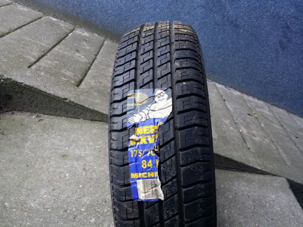 175/70R14 Michelin MV3A 84H